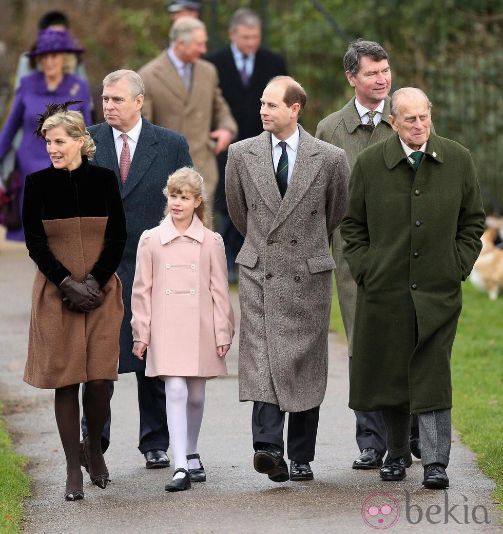 El Duque de Edimburgo, los Condes de Wessex y el Duque de York en la Misa de Navidad en Sandringham