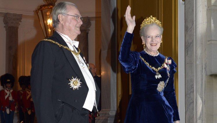 Enrique de Dinamarca y la Reina Margarita en la cena de gala de Año Nuevo