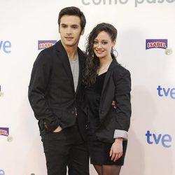 Ricardo Gómez y Elena Rivera en el estreno de la 14 temporada de 'Cuéntame cómo pasó'