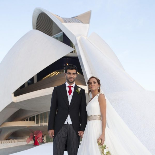 alicia roig se casó con raúl albiol con un vestido de manuel mota