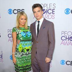 Paris Hilton y River Viiperi en los People's Choice Awards 2013
