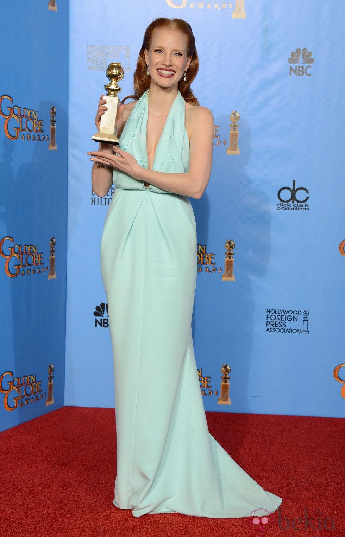 f2857876e43 Anterior Jessica Chastain posando con su Globo de Oro 2013 como Mejor actriz