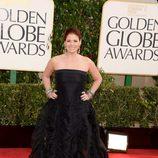Debra Messing en los Globos de Oro 2013