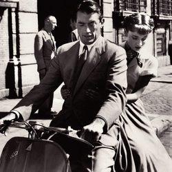 Audrey Hepburn y Gregory Peck en 'Vacaciones en Roma'