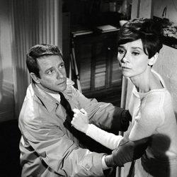 Audrey Hepburn en un fotograma de 'Sola en la oscuridad'