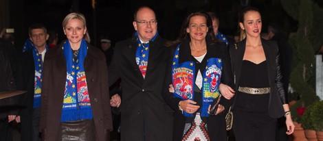 Los Príncipes Alberto y Charlene, Estefanía de Mónaco y Pauline Ducruet en el Festival de Circo de Monte-Carlo 2013
