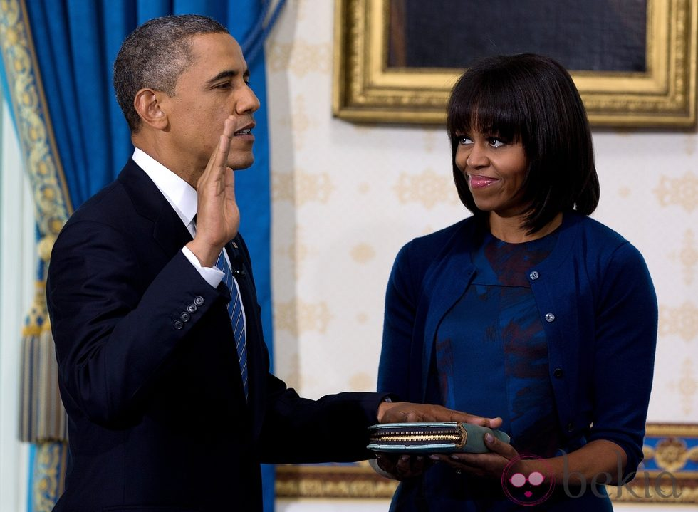 Barack Obama jura su segundo mandato ante Michelle Obama