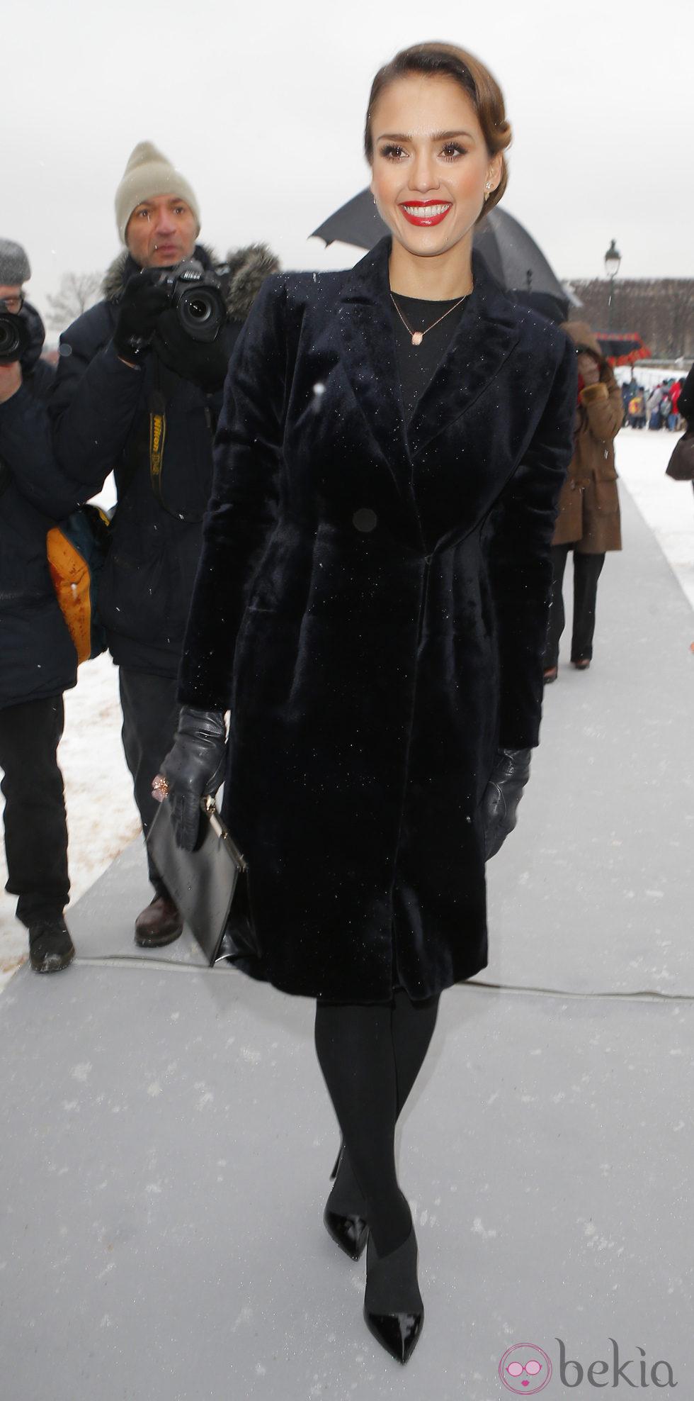 Jessica Alba en la Semana de la Moda de París otoño/invierno 2013/2014