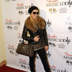 Paris Hilton en el Fender Music Lodge