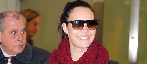 Jessica Bueno en el aeropuerto de Barajas tras sus vacaciones en El Caribe