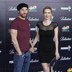Macaco y Kira Miró en los Premios 40 Principales 2012
