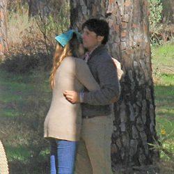 Francisco Rivera y Lourdes Montes, muy cariñosos en una peregrinación a El Rocío