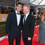 Jesse Tyler Ferguson y Justin Mikita en los Screen Actors Guild Awards 2013