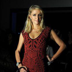 Paris Hilton en el desfile de Mango primavera/verano 2013 de la 080 Barcelona Fashion