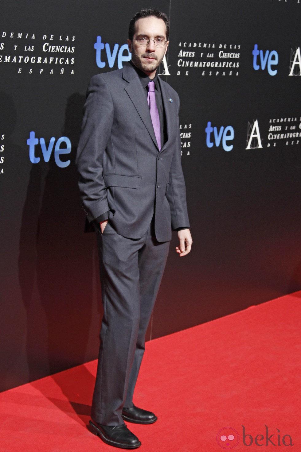 Enrique Gato en la entrada de la cena de los nominados a los Goya 2013
