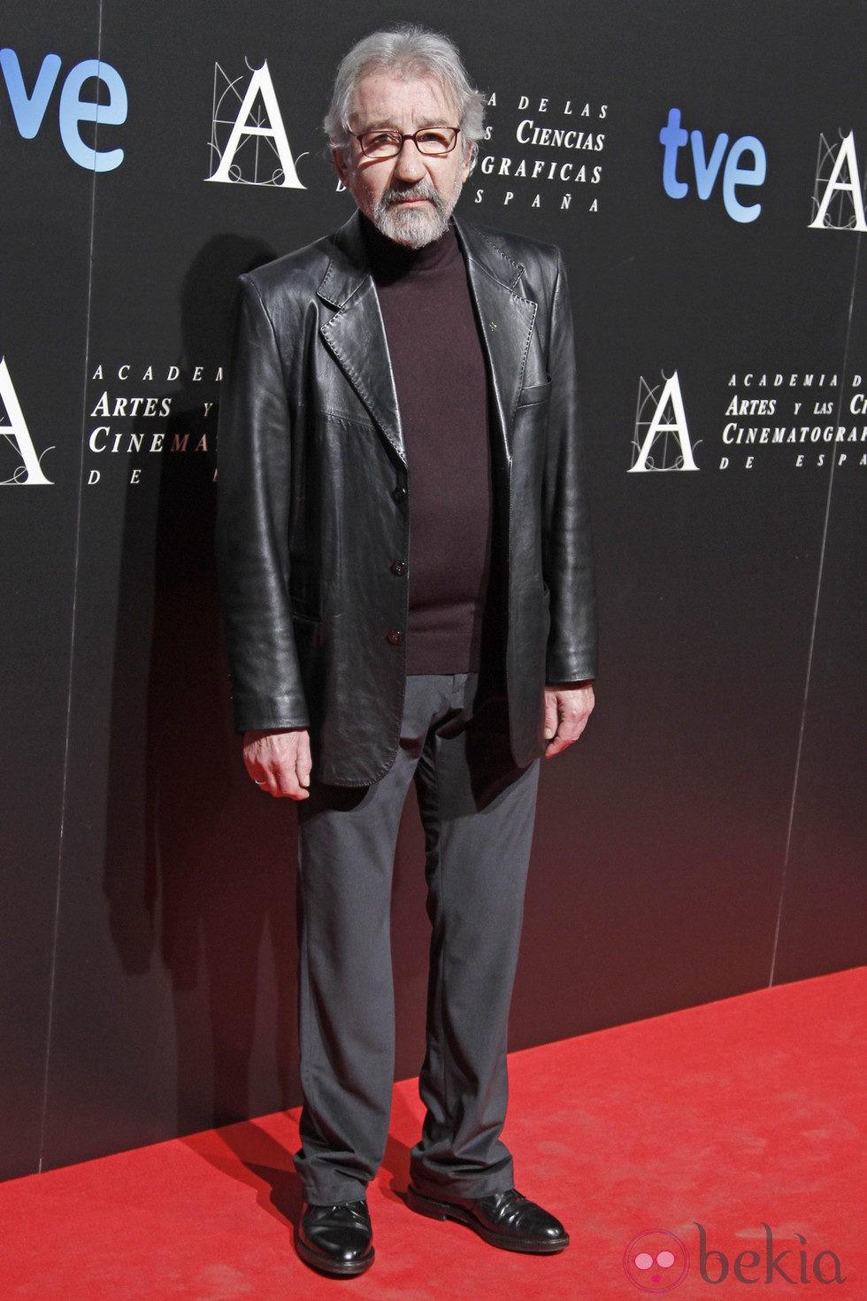 José Sacristán en la entrada de la cena de los nominados a los Goya 2013