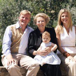 La Reina Beatriz, Guillermo y Máxima de Holanda y la Princesa Amalia