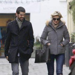 Miguel Ángel Muñoz y María Zurita paseando por las calles de Madrid