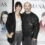 Maribel Verdú y Javier Cámara en el estreno de la obra de teatro 'Hermanas'