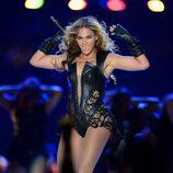 Beyoncé durante su actuación en la Super Bowl 2013