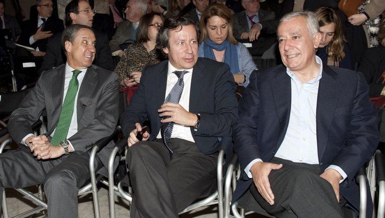 Eduardo Zaplana, Carlos Floriano y Javier Arenas en la presentación del archivo documental de Gregorio Ordóñez