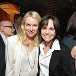 Naomi Watts y Sally Field en la fiesta tras el almuerzo de los nominados a los Oscar 2013