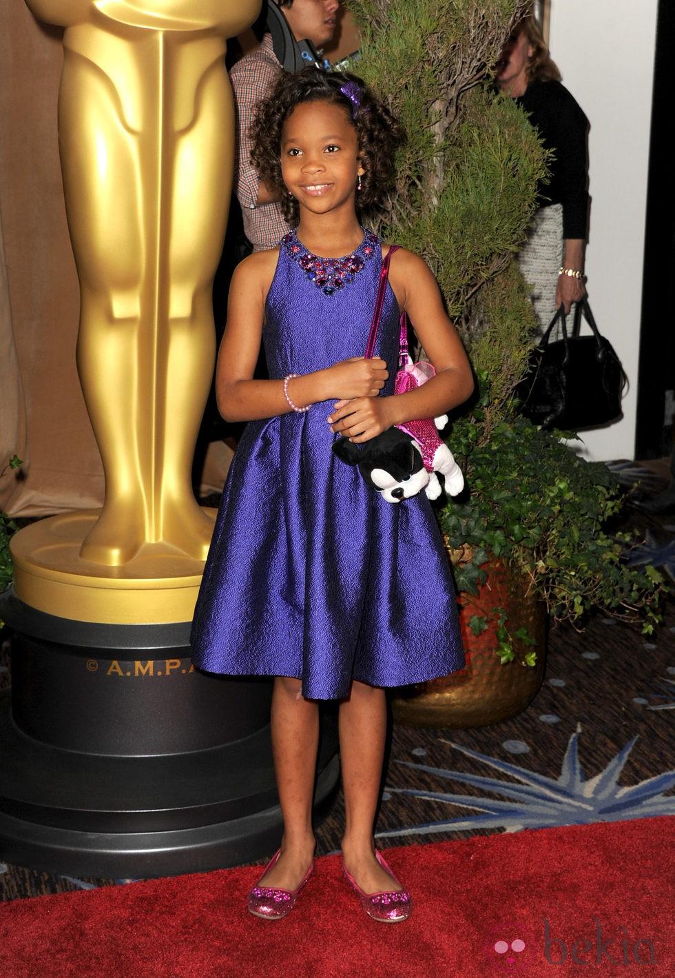 Quvenzhané Wallis en el almuerzo de los nominados a los Oscar 2013