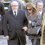 Paula Echevarría con su padre en el funeral de su abuela en Candás