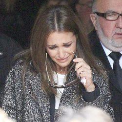 Paula Echevarría llorando en el funeral de su abuela en Candás