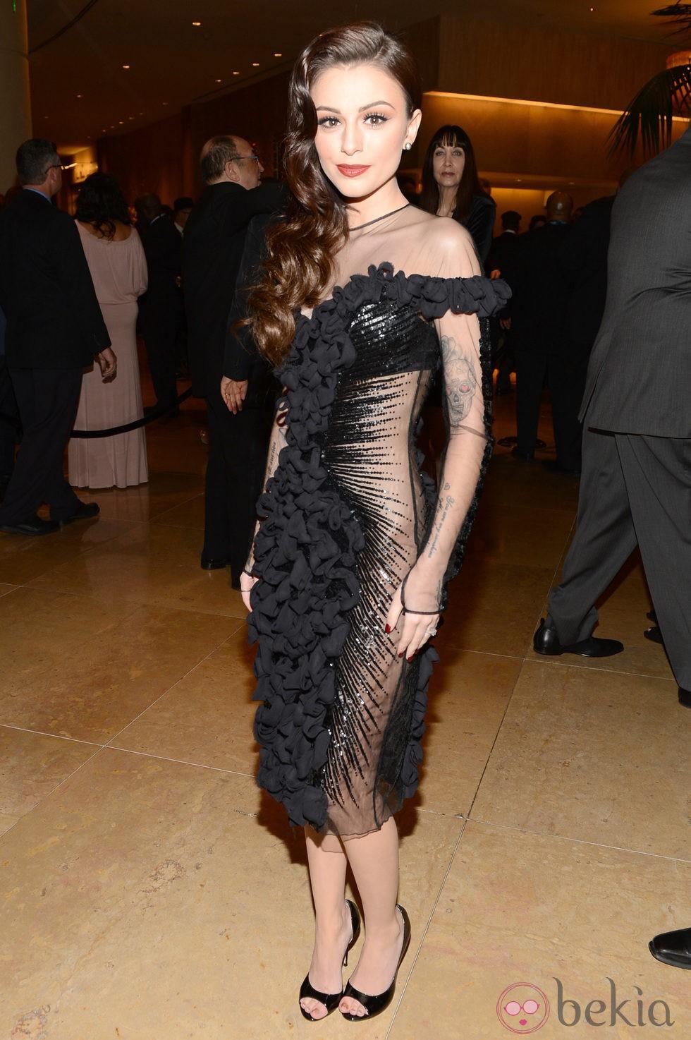 Cher Lloyd en la gala pre-Grammy 2013