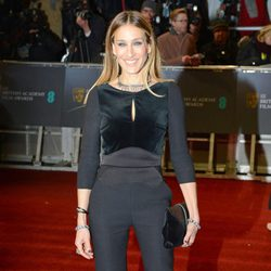 Sarah Jessica Parker en la alfombra roja de los BAFTA 2013