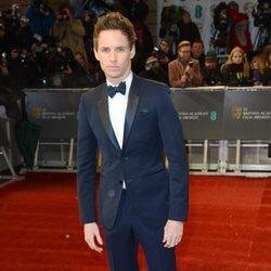 Eddie Redmayne en la alfombra roja de los BAFTA 2013