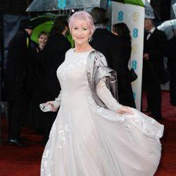 Helen Mirren a su llegada a los premios BAFTA 2013