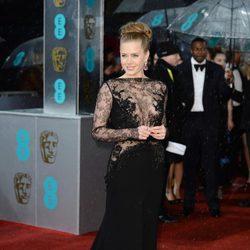 Amy Adams en la alfombra roja de los BAFTA 2013