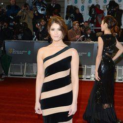 Gemma Arterton en la alfombra roja de los BAFTA 2013