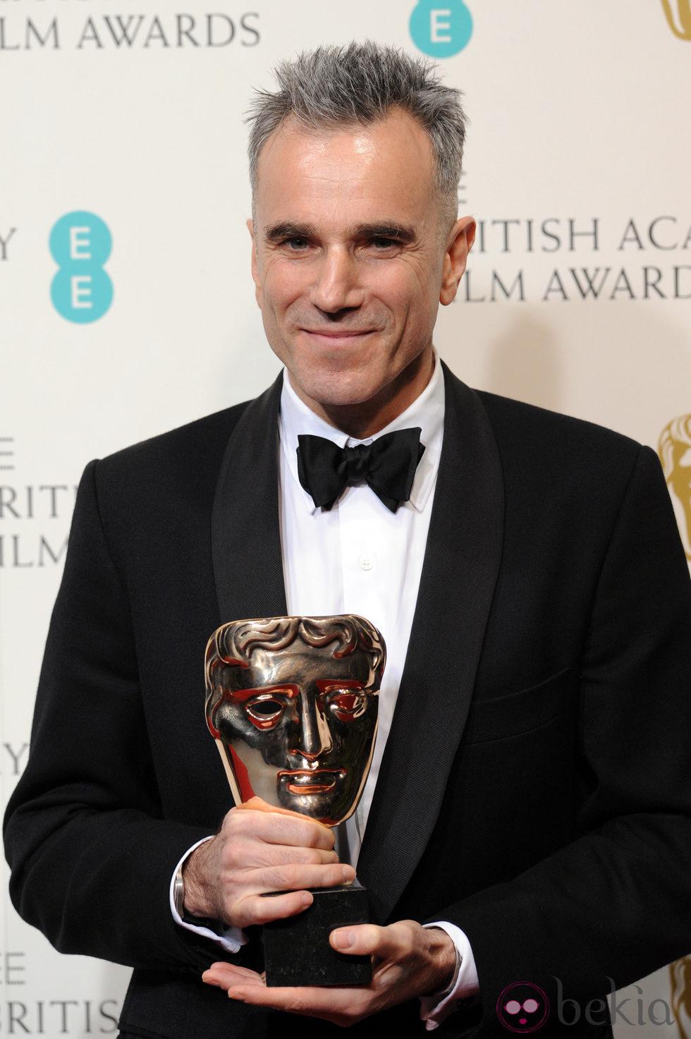 Daniel Day-Lewis ganador del premio al mejor actor en los BAFTA 2013