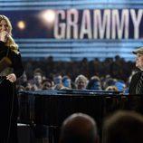 Kelly Clarkson durante su actuación en los Grammy 2013