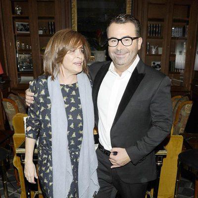 Jorge Javier Vázquez y Carmen Rigalt en la entrega del Libro de Oro por 'La vida iba en serio'