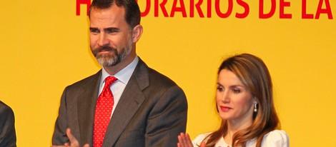 Los Príncipes Felipe y Letizia en la entrega de acreditaciones a los Embajadores de la Marca España