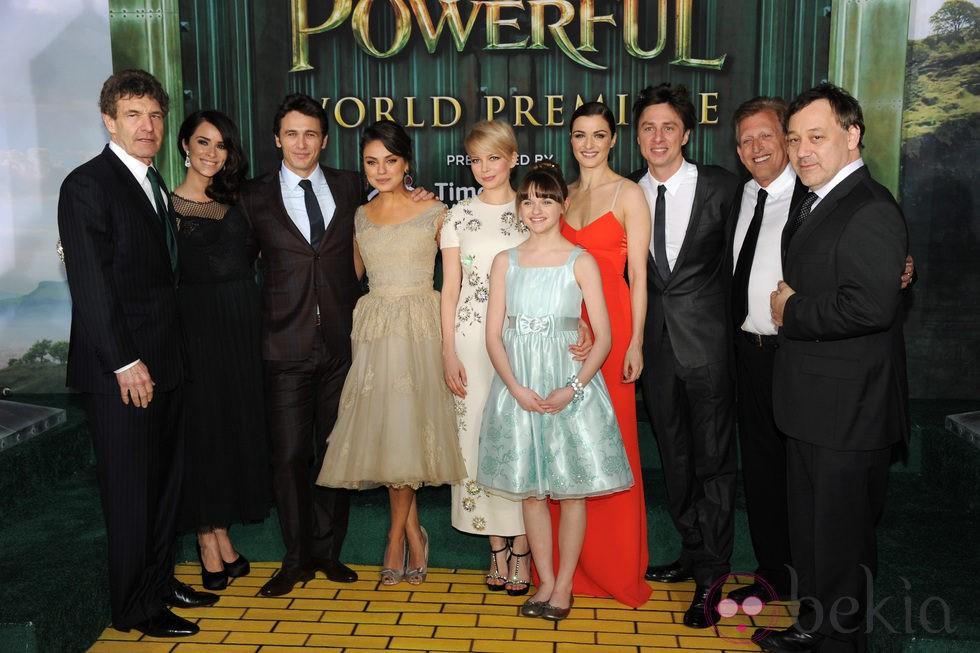 Reparto de 'Oz, un mundo de fantasía' en el estreno de Los Ángeles