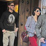 Pilar Rubio y Sergio Ramos saliendo de un restaurante