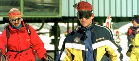 El Príncipe Felipe esquiando