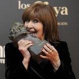 Concha Velasco con su Goya Honorífico 2013
