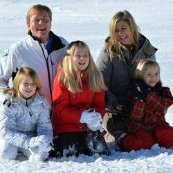 Guillermo y Máxima de Holanda con sus hijas en Austria