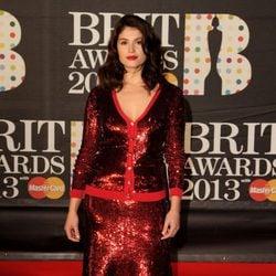 Gemma Arterton en la alfombra roja de los Brit Awards 2013