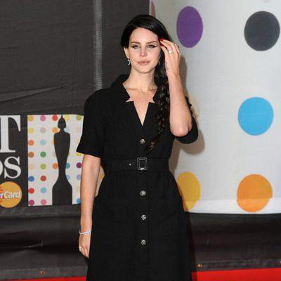 Lana del Rey en la alfombra roja de los Brit Awards 2013