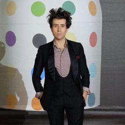 Nick Grimshaw en la alfombra roja de los Brit Awards 2013