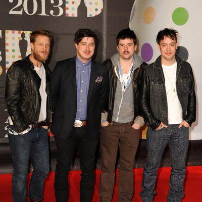 Mumford & Sons en los Brit Awards 2013