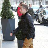 Brooklyn Beckham en la celebración del 8 cumpleaños de su hermano Cruz en París