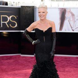 Tabatha Coffey en la alfombra roja de los Oscar 2013
